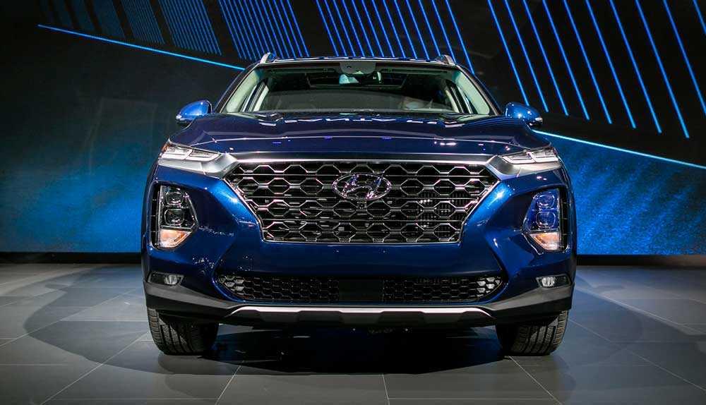 Обзор автомобиля Hyundai Santa Fe 2019 года: фото, видео, цена.