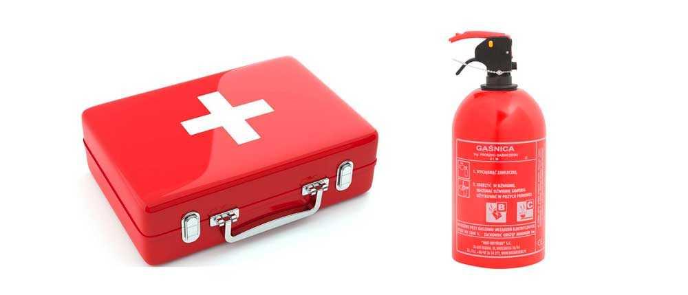 Как быть, если сотрудник ДПС требует показать огнетушитель и аптечку, но их нет