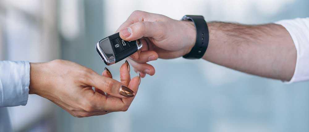 Нужно ли платить налог по договору дарения автомобиля