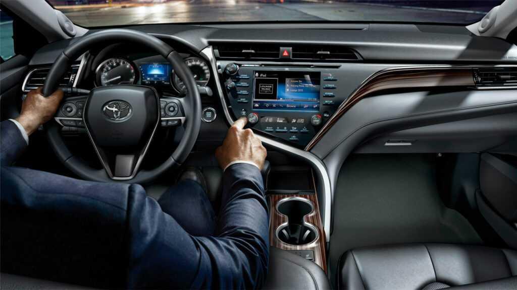 Обзор Toyota Camry 2019 года, цена, фото, видео и цена