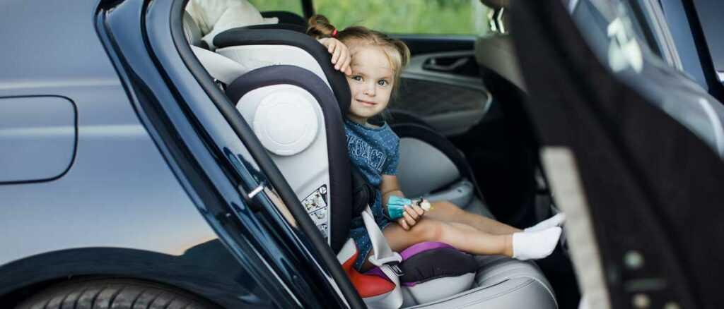Ребенок один в машине, можно ли оставлять детей в машине одних