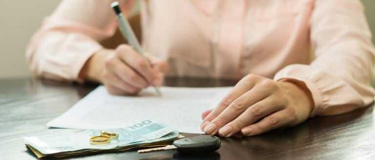 Как безопаснее получить или передать деньги при продаже автомобиля
